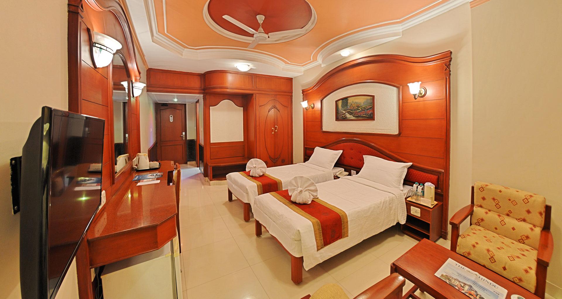 Hotel Gnanam Thanjavur